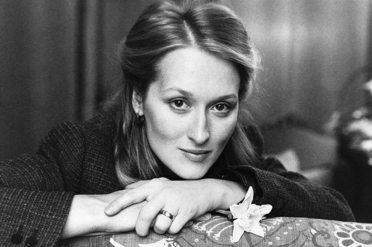 Meryl StreepNem tudjuk, Önök hogy vannak vele, de mi biztosan nem mernénk belekötni Meryl Streepbe, főleg nem azután, hogy Miranda Priestly bőrébe bújt az Ördög Pradát visel című filmben.