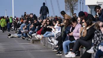 Már a svédek is szigorítanának, felhatalmazást kér a kormány