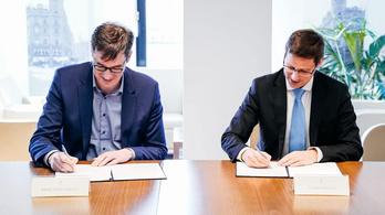 Karácsony Gergely és Gulyás Gergely aláírta a fővárosi színházakról szóló megállapodást