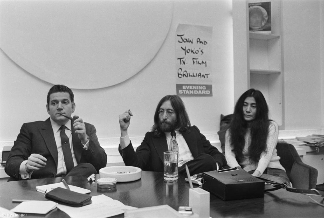 Allen Klein, John Lennon és Yoko Ono 1969. április 29-én, ahol Klein képviselte az együttest a Northern Songsnevű lemezkiadó céggel folytatott jogvitában.