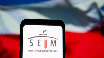 A lengyel alsóház megszavazta a levélszavazásos elnökválasztást