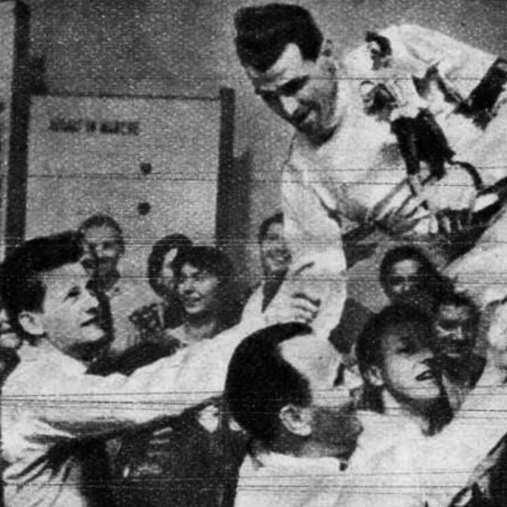 """""""Kárpáti Rudolf világbajnok és kétszeres olimpia bajnok a gratulációkat fogadja"""""""