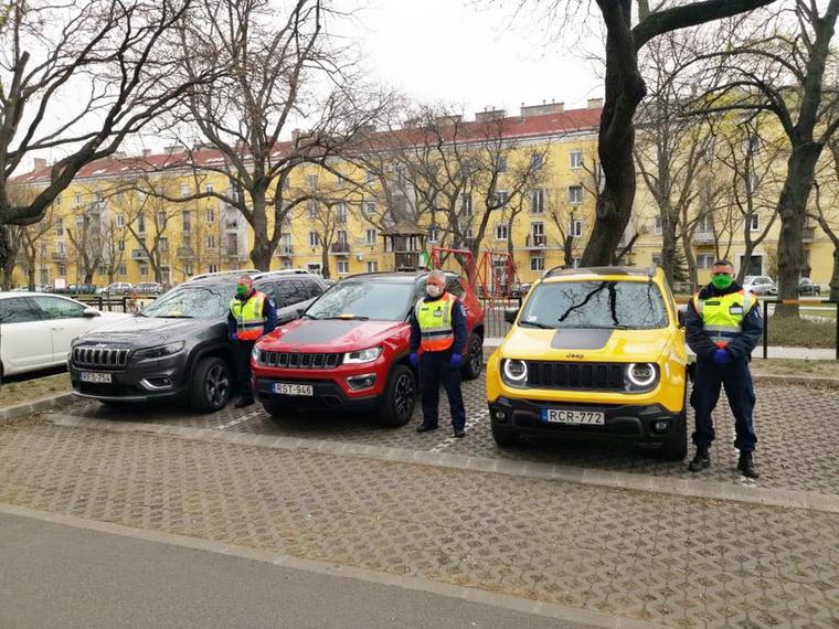 Az FCA, azaz a Fiat-Chrysler hazai képviselete a polgárőrökön keresztül segít