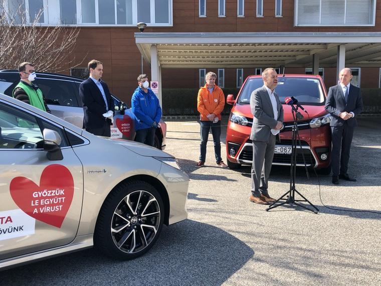 A Toyota hazai márkakereskedő hálózata összesen húsz autót ajánlott fel