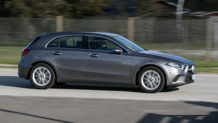 A Mercedes-Benz Hungária az Országos Mentőszolgálatnak biztosít személyautókat, hogy éppen mennyit, az az igényektől függően változik