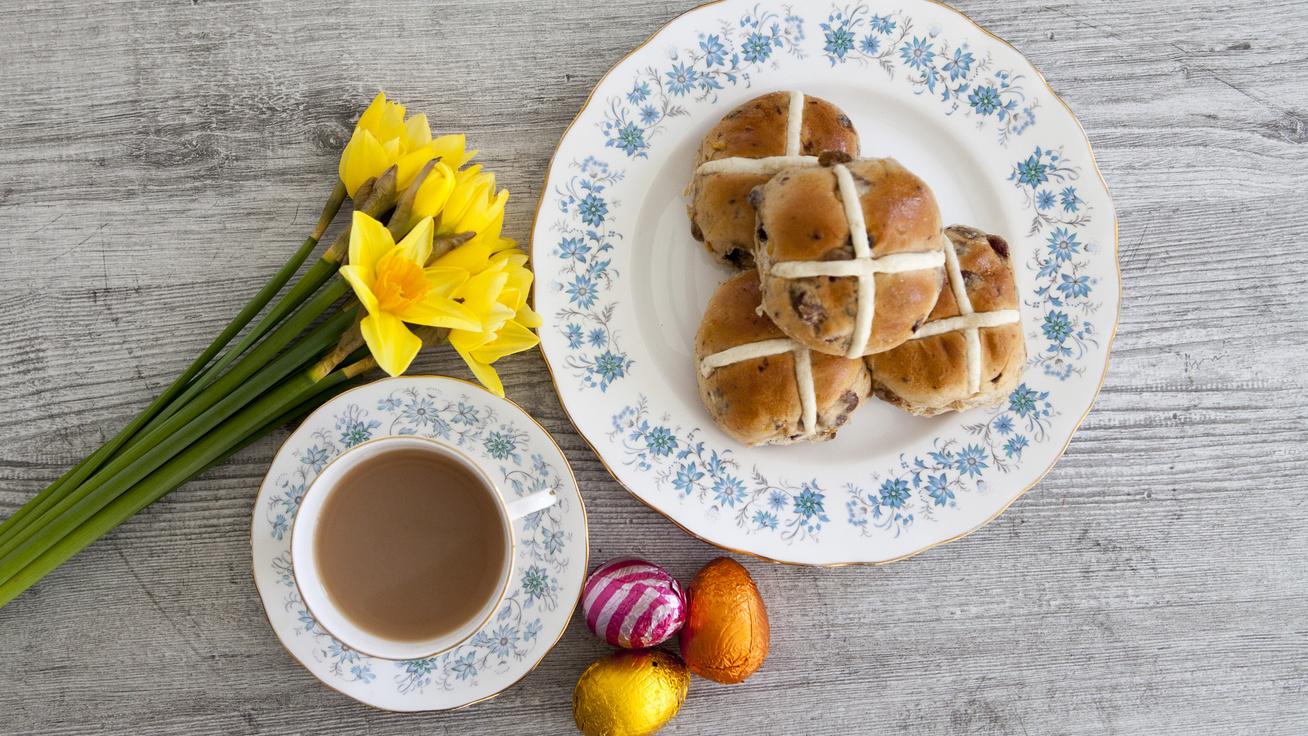Édes, mazsolás húsvéti zsemle: az angolok ezt készítik nagypéntekre