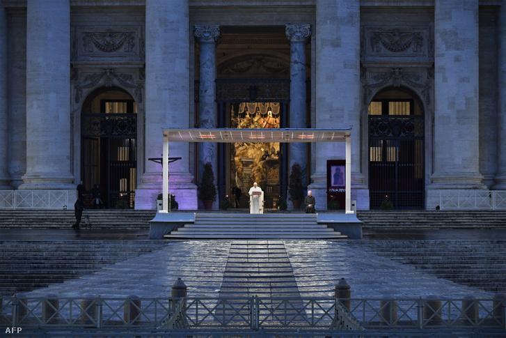 Ferenc pápa imádsága a Szent Péter téren 2020. március 27-én