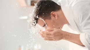 A kézmosás mellett az arcmosás is elengedhetetlen