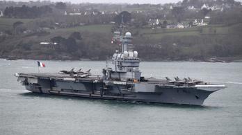 Több koronavírus-gyanús tengerészt találtak a francia repülőgép-hordozón