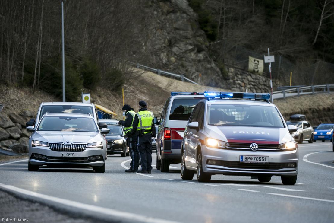 A vírus miatt március 13-én karantén alá helyzték a Paznaun-völgyet, így Ischglt is. A rendõrség lezárta a völgyből kivezető utakat, a külföldieket arra kérték, hogy megállás nélkül térjenek haza.