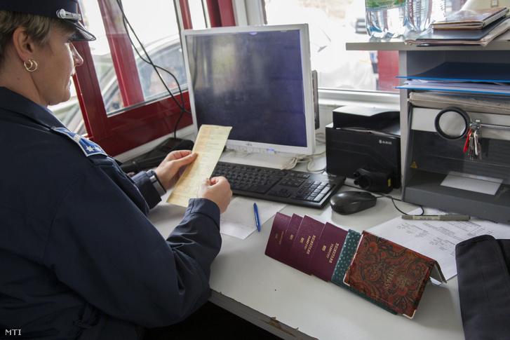 Úti okmányokat ellenőriznek a letenyei magyar-horvát határátkelőnél