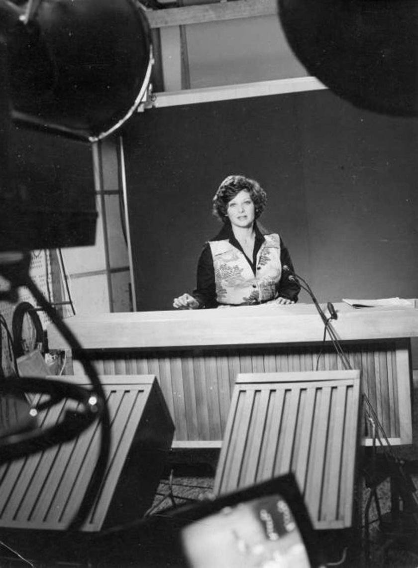 Kertész Zsuzsa tévébemondó 1973-ban a Magyar Televízió stúdiójában