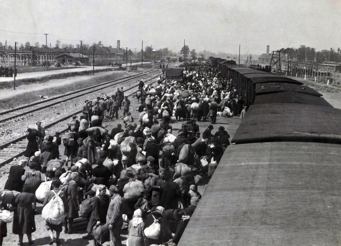 1944. Lengyelország, Oświęcim az auschwitz–birkenaui koncentrációs tábor