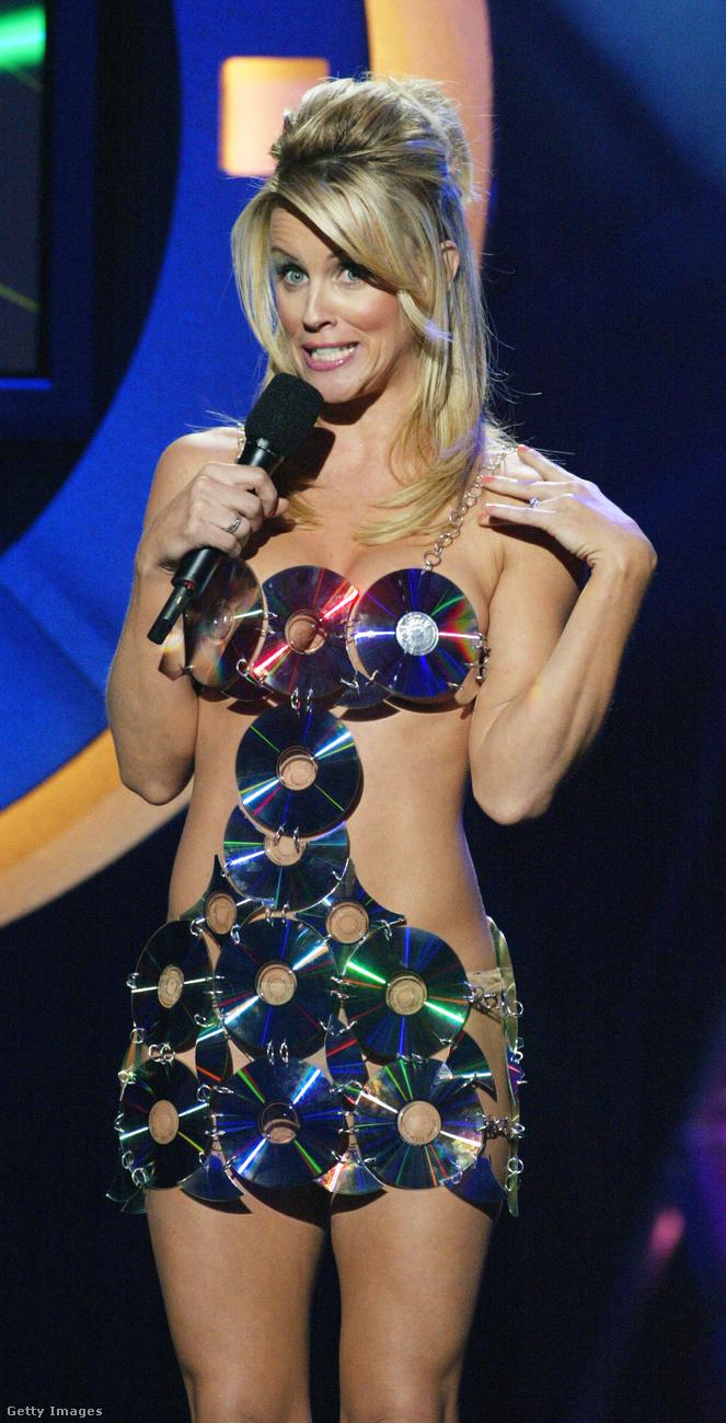 Jenny McCarthy karrierje 1993-ban kezdődött, amikor a Playboy szerepeltette magazinjában, és meg is választotta az Év playmate-jévé