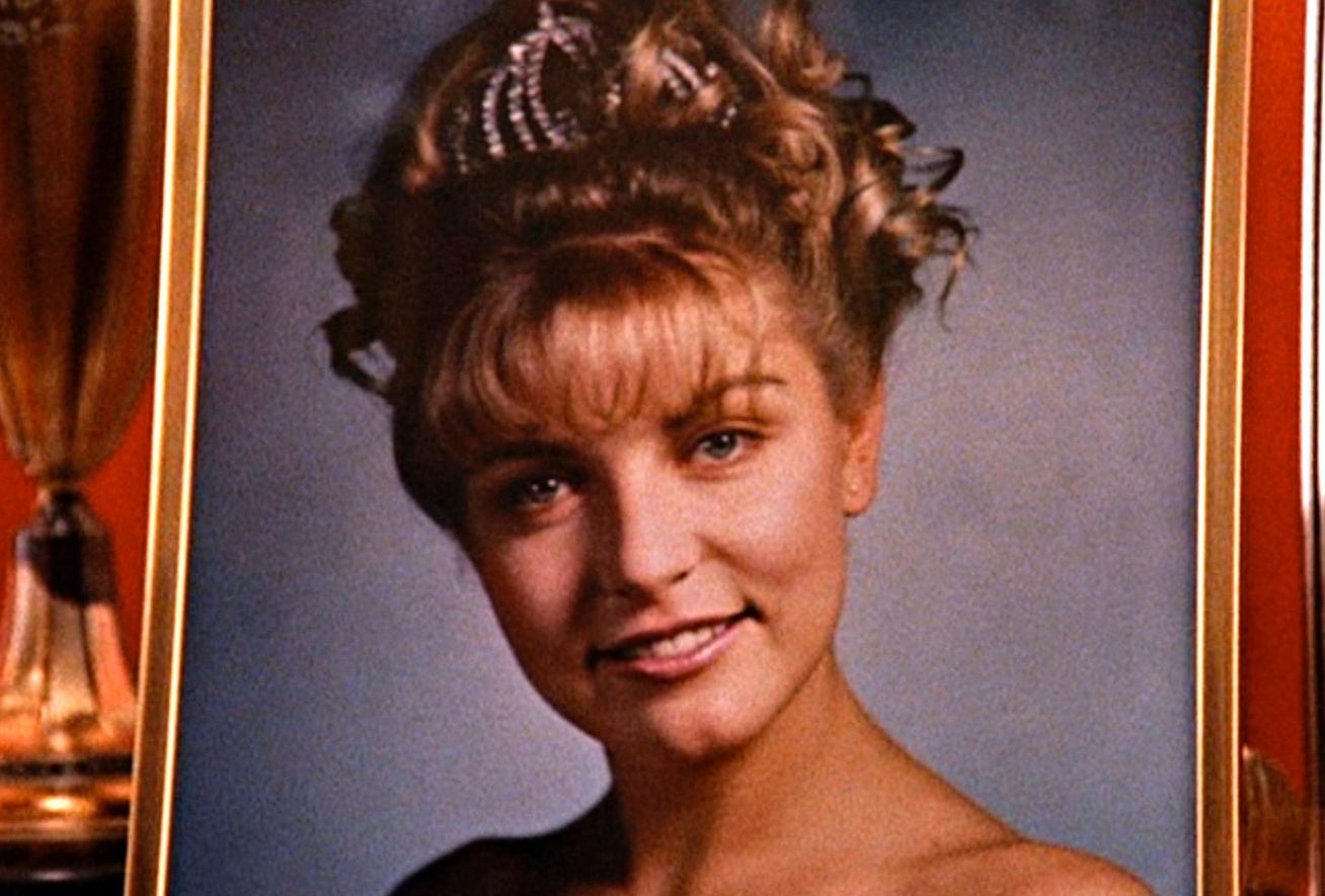 twin peaks sheryl lee laura palmer cover