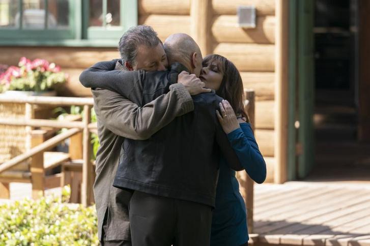 Frakes, Patrick Stewart és Marina Sirtis első közös jelenete 1994 óta.