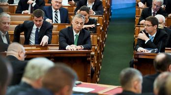 Magyar közgazdászok: A kormány nem érti vagy nem vallja be a válság súlyosságát