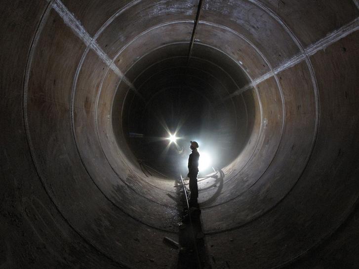 A tartály belülről - mint egy metróalagút (Fotó: Szabó R. Zoltán)