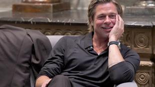 Brad Pittnek alapozót kentek a fenekére egy filmforgatáson