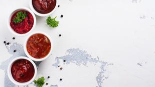 Csilis-aszalt paradicsomos salátaöntet – egy egyszerű csirkesaláta tetején a legfinomabb