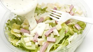 Egy igazi tavaszi öntet: tormás-mézes salátaszósz medvehagymával