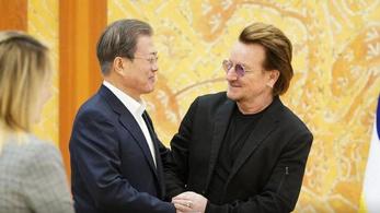 Bono a dél-koreai elnöktől kér segítséget a koronavírus miatt