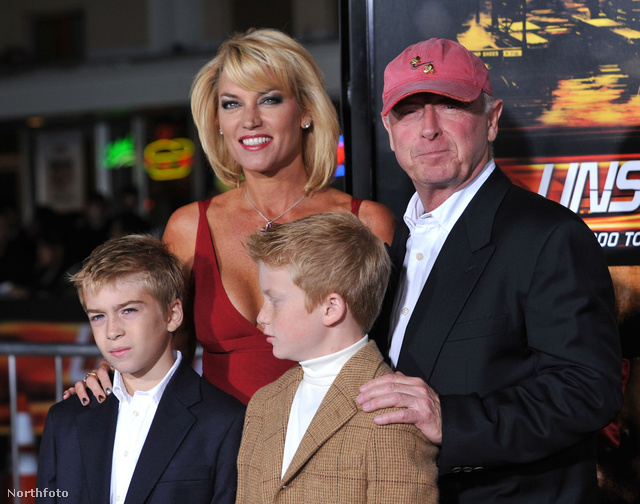 Tony Scott és családja a Száguldó bomba 2010-es bemutatóján