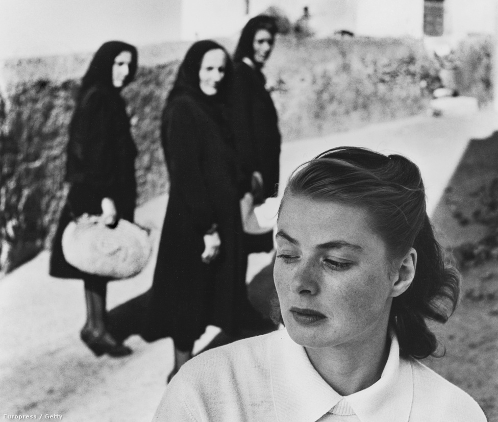 ngrid csodálta az olasz filmrendező, Roberto Rossellini munkáit, ezért 1949-ben levélben írta meg neki, hogy szívesen dolgozna vele együtt egy filmben. A Rossellini által rendezett Stromboliban Ingrid egy koncentrációs táborokat megjárt nőt alakít, aki egy olasz halásszal házasodik össze, majd a Stromboli vulkán lábánál élik az életüket. A Stromboli forgatása alatt a színésznő és a rendező egymásba szerettek, majd mindketten elhagyták családjukat az új kapcsolatért.