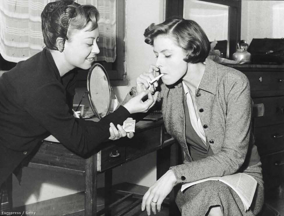 Rossellini 1949 és 1955 között öt filmet is forgatott Ingrid Bergmannal, ezek között volt az 1952-es Europa '51 (a filmet The Greatest Love címen is szokás emlegetni). Rossellini ötvenes évekbeli munkái a francia új hullámos rendezők példaképei lettek. A képen az olasz színésznő, Giulietta Masina kínálja cigarettával Ingridet.