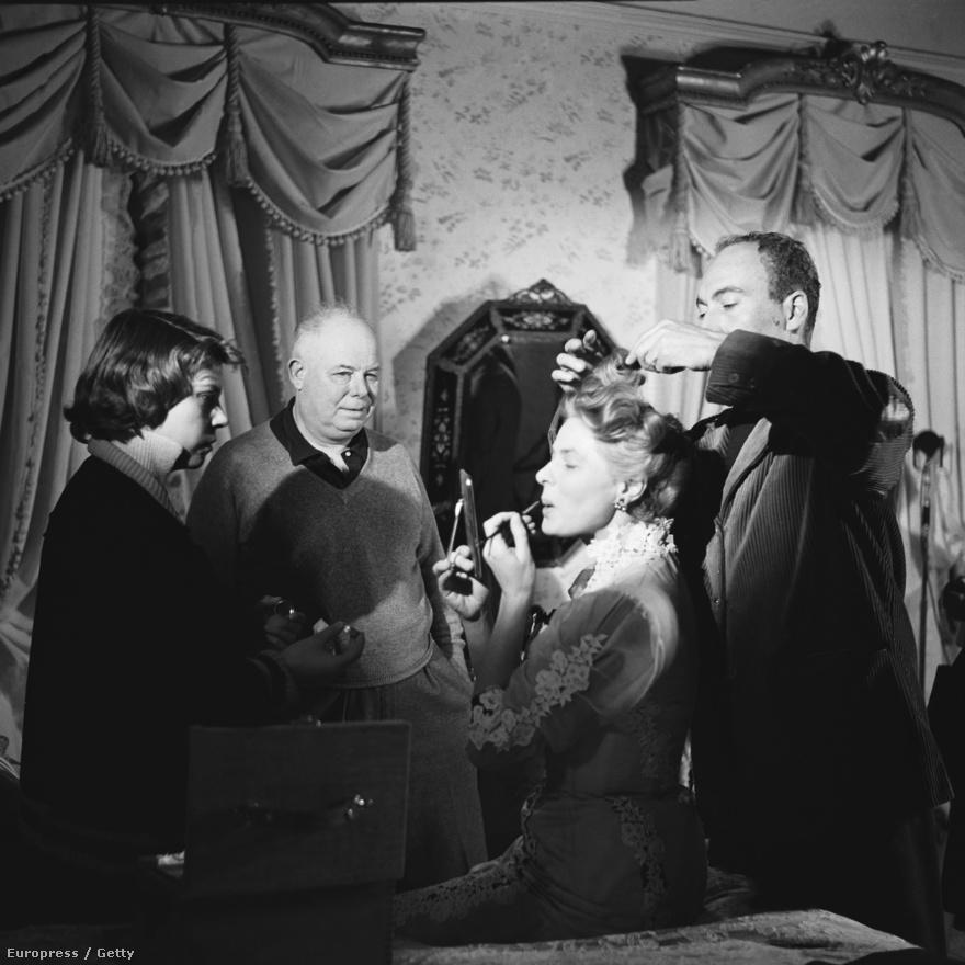 1956-ban Ingrid és Rossellini kapcsolata megromlott. Az Elena és a férfiak volt az első olyan filmszerep, amit Ingrid elvállalt, miután elhidegült Rossellinitől. A 19. század végén játszódó filmben Ingrid egy elszegényedett lengyel hercegnőt alakít, a mozit Jean Renoir rendezte.