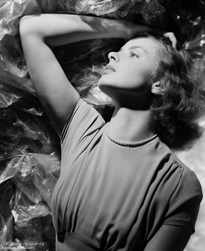 Ingrid korai, svéd filmjei közül az egyik legkiemelkedőbb az 1936-os Intermezzo volt. A filmre és Ingridre felfigyeltek Amerikában, így 1939-ben leforgatták a mozi hollywoodi remake-jét, amiben újra eljátszotta a szerelmes zongoristalányt. Az eredeti színészgárdából csak ő játszott az új változatban.