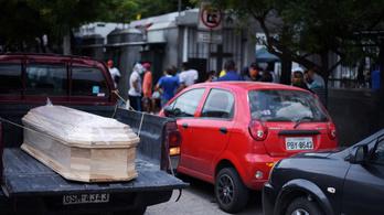 700, otthonában meghalt koronavírusost gyűjtöttek össze Ecuadorban