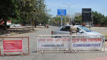 Levágták egy indiai rendőr kezét, amikor számonkérte a kijárási korlátozás betartását