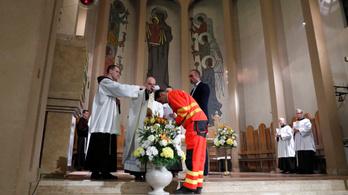 Isteni sugallatra mentősnek állt, a koronavírus ellen küzd a vk-győztes magyar triatlonos