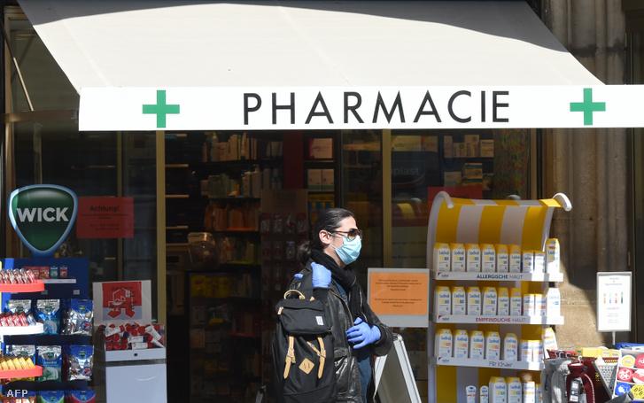 Gyógyszertári vásárló Münchenben