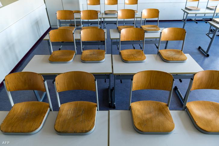 Az új koronavírus-járvány miatt bezárt iskola egy tanterme Halle (Saale) városában 2020. március 13-án