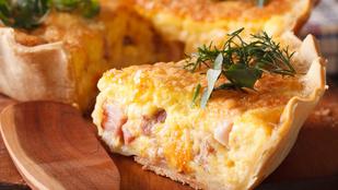 Húsvét utáni reggeliötlet: sonkás-édesburgonyás quiche alpesi sajttal és medvehagymával