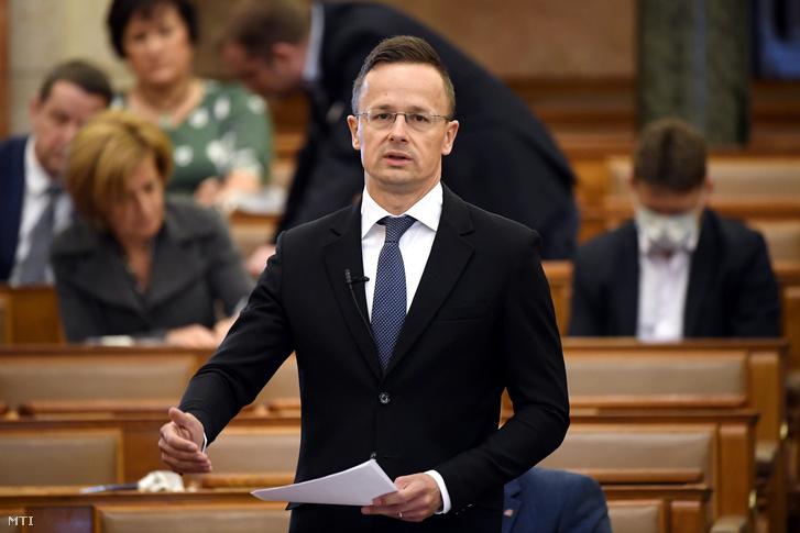 Szijjártó Péter külgazdasági és külügyminiszter a mai felszólalása közben