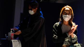 Japánban a tömény szeszt is csatasorba állítanák a koronavírus ellen