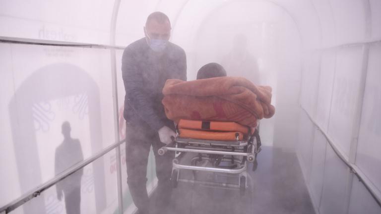 Se turizmus, se vendégmunkások: a Balkán a koronavírus alatt