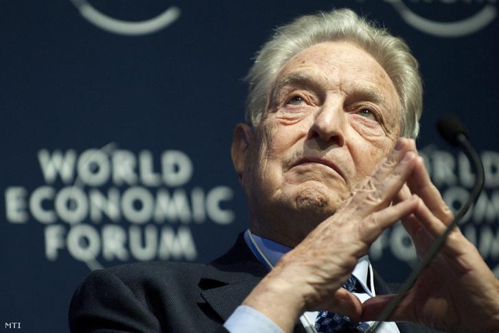 Soros György a 41. Világgazdasági Fórum egyik szekcióülésén Davosban 2011. január 27-én.