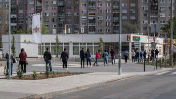 Megugrott a csomagforgalom a Magyar Postán