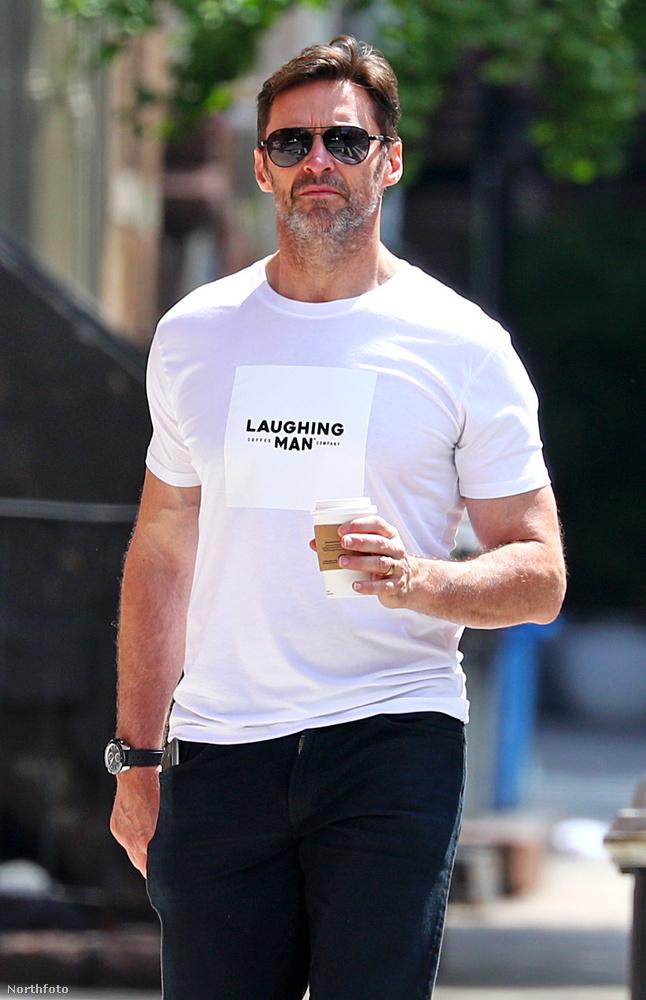 Hugh JackmanAz X-Men sztárjáról sokan nem tudják, de 2011-ben ő is létrehozta saját kávézóláncát, amely a Laughing Man, azaz a nevető ember névre hallgat
