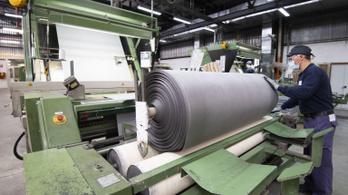 Lassan újraindul a munka az olasz gyárakban