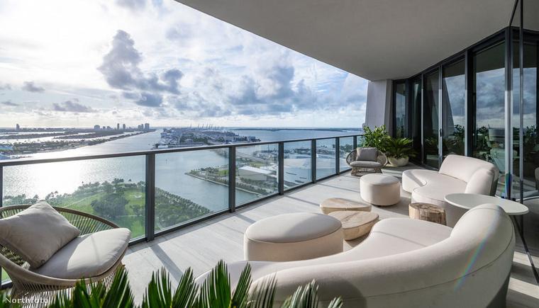Menjünk egy lépéssel közelebb Victoria és David Beckham luxuslakásához, ami persze nem az egyedüli ingatlanuk