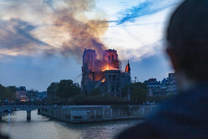 A Notre-Dame-i tűzvész 2019. április 15-én