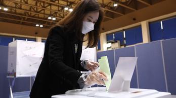 Dél-Korea az első ország, ahol választást tartottak a koronavírus terjedése óta