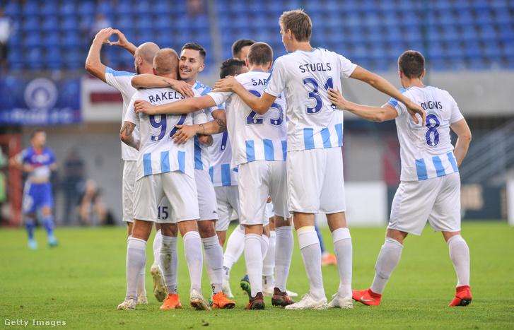 A Riga FC játékosai a Piast Gliwice elleni Európa Liga-selejtező mérkőzésen 2019. július 25-én Gliwicében.