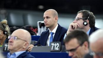 A transzneműek jogait csorbító törvénytervezet ellen tiltakozik 63 EP-képviselő