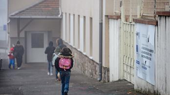 A távoktatás jobb megszervezését kérik a hátrányos helyzetű gyerekekkel foglalkozó szervezetek